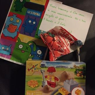 Un petit sachet cadeau pour les copains qui sont venus à l'anniversaire.